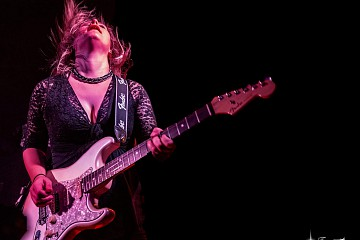 Eliana Cargnelutti - Blues Rocker from North Italy plays in West Sussex
